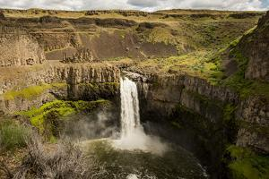 USA, Washington State. Palouse Falls State Park. by Alison Jones