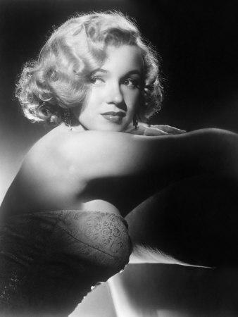 https://imgc.allpostersimages.com/img/posters/all-about-eve-marilyn-monroe-1950_u-L-P6RKVG0.jpg?artPerspective=n