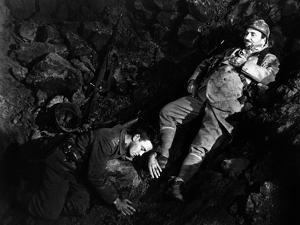 ALL QUIET ON THE WESTERN FRONT by Lewis Milestone with Lew Ayres, Raymond Griffith, 1930 (b/w photo