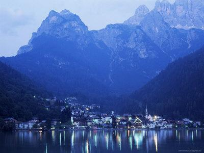https://imgc.allpostersimages.com/img/posters/alleghe-and-lake-alleghe-at-dusk-with-monte-civetta-towering-above-dolomites-veneto-italy_u-L-P1TGS60.jpg?p=0