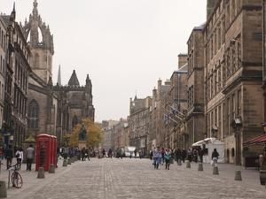 Royal Mile, the Old Town, Edinburgh, Scotland, Uk by Amanda Hall