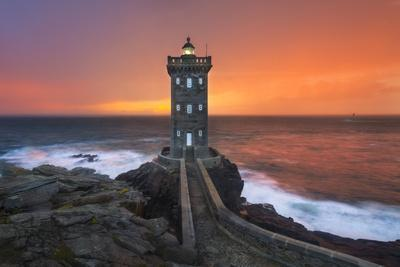 https://imgc.allpostersimages.com/img/posters/amazing-light-in-brittany_u-L-Q1AHNUP0.jpg?p=0
