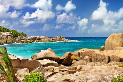https://imgc.allpostersimages.com/img/posters/amazing-seychelles-with-unique-granite-rocks_u-L-Q1033NV0.jpg?p=0