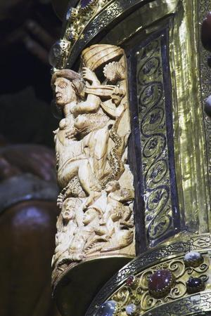 https://imgc.allpostersimages.com/img/posters/ambon-aachen-cathedral_u-L-PP9Y8J0.jpg?p=0