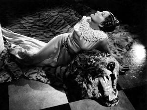 American actress Gloria Swanson (1899 - 1983) (b/w photo)