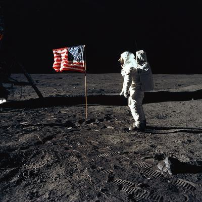 https://imgc.allpostersimages.com/img/posters/american-astronaut-edwin-buzz-aldrin-walking-on-the-moon-on-july-20-1969_u-L-PWGLRJ0.jpg?artPerspective=n