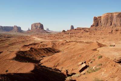 https://imgc.allpostersimages.com/img/posters/american-west-monument-valley-tribal-park_u-L-Q1H9VXA0.jpg?artPerspective=n