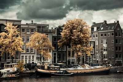https://imgc.allpostersimages.com/img/posters/amsterdam-autumn-colors_u-L-Q11UP6A0.jpg?p=0