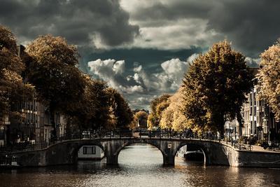 https://imgc.allpostersimages.com/img/posters/amsterdam-bridge-ii_u-L-Q11UP3V0.jpg?p=0