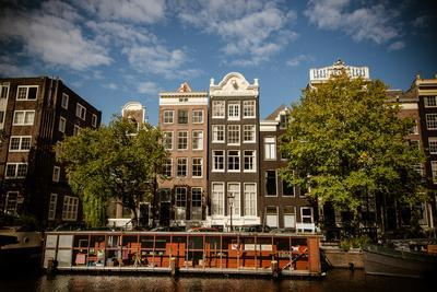 https://imgc.allpostersimages.com/img/posters/amsterdam-canal-houses-i_u-L-Q11URXK0.jpg?p=0