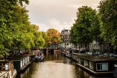 https://imgc.allpostersimages.com/img/posters/amsterdam-singel-canal-iv_u-L-Q11UPAZ0.jpg?p=0