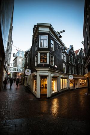 https://imgc.allpostersimages.com/img/posters/amsterdams-kaashuis_u-L-Q11ULVB0.jpg?p=0