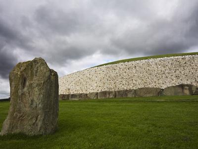 https://imgc.allpostersimages.com/img/posters/ancient-burial-mound-newgrange-county-meath-republic-of-ireland-eire_u-L-PFND3U0.jpg?p=0
