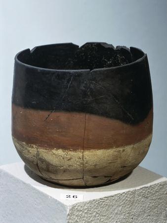 https://imgc.allpostersimages.com/img/posters/ancient-egyptian-ceramic-vase_u-L-POPE0Q0.jpg?p=0