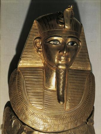 https://imgc.allpostersimages.com/img/posters/ancient-egyptian-gold-funerary-mask-of-psusennes-i_u-L-POP9B00.jpg?p=0