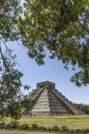 https://imgc.allpostersimages.com/img/posters/ancient-step-pyramid-kukulkan-at-chichen-itza-mexico_u-L-Q1CZPIA0.jpg?p=0