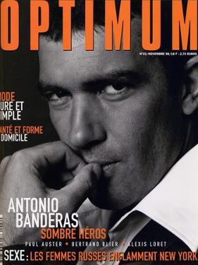 L'Optimum, November 1998 - Antonio Banderas Porte une Veste de Smoking et une Chemise Gucci by André Rau