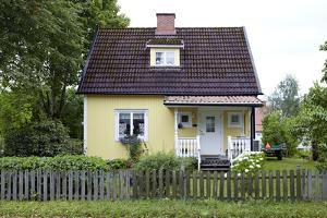 Residential house, yellow, Ed, Dalsland, Götaland, Sweden by Andrea Lang