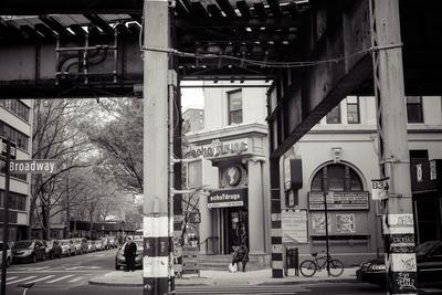 Williamsburg, Brooklyn, New York, USA, Broadway corner Havemeyer Street, echo drugs