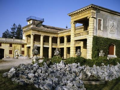 Glimpse of Villa Serego or Villa Santa Sofia by Andrea Palladio