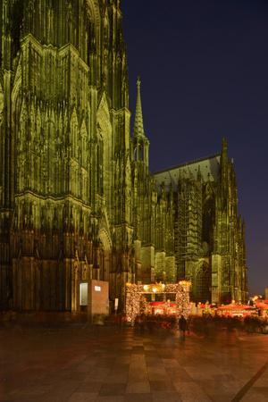 Germany, North Rhine-Westphalia, Cologne, Place Roncalli, Christmas Fair and Cologne Cathedral