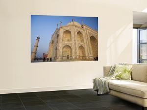 Low Angle View of Taj Mahal at Dawn by Andrew Bain