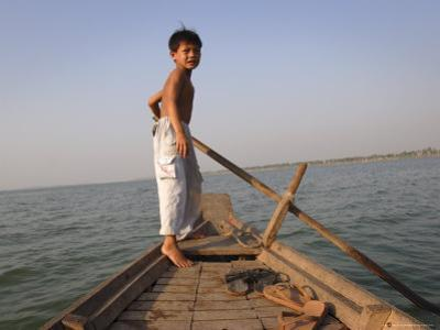 Cham Muslims Living by the Mekong River in Phnom Penh, Cambodia, Indochina, Southeast Asia