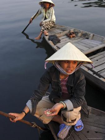 Women Ferrying Boats Await a Fare, Hoi An, Vietnam, Indochina, Southeast Asia
