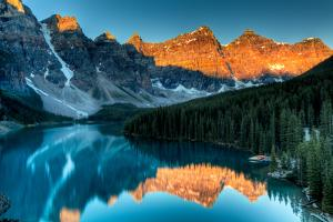 Moraine Lake Sunrise by Andrey Popov