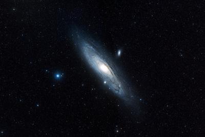 https://imgc.allpostersimages.com/img/posters/andromeda-galaxy-m31_u-L-PZFKKS0.jpg?artPerspective=n