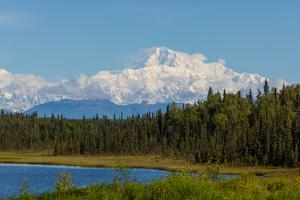 Denali (Mckinley) Peak in Alaska, USA by Andrushko Galyna