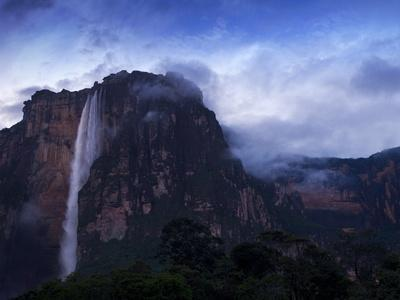 https://imgc.allpostersimages.com/img/posters/angel-falls-at-dawn-canaima-national-park-guayana-highlands-venezuela_u-L-PFO0930.jpg?p=0
