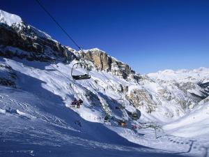Ski, Cortina, Dolomiti by Angelo Cavalli
