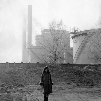 Monica Vitti Walking