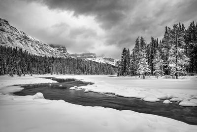 Canada, Alberta, Banff National Park, Dawn at the Mistaya River