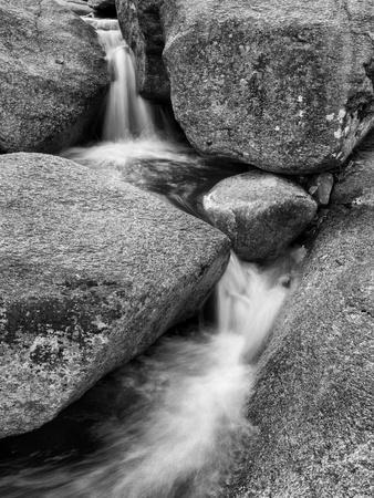 USA, New Hampshire, White Mountains, Lucy Brook flows past granite rock