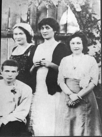 https://imgc.allpostersimages.com/img/posters/anna-akhmatova-and-maria-kuzmina-karavayeva-lef-1912_u-L-PTTNOE0.jpg?p=0