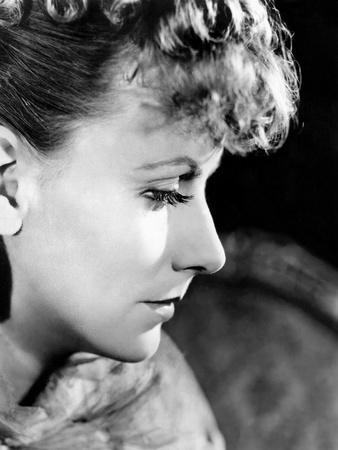 https://imgc.allpostersimages.com/img/posters/anna-karenina-by-clarence-brown-based-on-a-novel-by-leo-tolstoi-with-greta-garbo-1935-b-w-photo_u-L-Q1C3E300.jpg?artPerspective=n