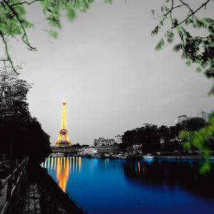 Eiffel Reflect by Anne Valverde