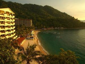 La Jolla De Mismaloya Hotel in Mismaloya Bay at Sunset, Puerto Vallarta, Mexico by Anthony Plummer