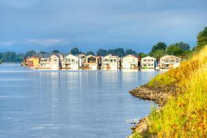 Houseboats by Anton Foltin
