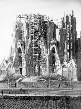 """Basilica De La Sagrada Familia """"Antoni Gaudi"""" by Antoni Gaud?"""