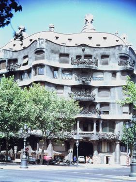 La Pedrera or Casa Mila, 1905-10 by Antoni Gaudí