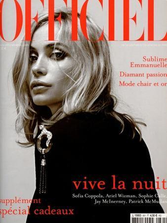L'Officiel, 2003 - Emmanuelle Béart Porte une Veste en Coton et Soie Noire Dolce & Gabbana