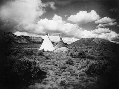 Apache Tepees, C1909