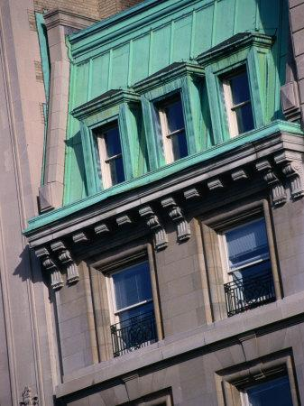 https://imgc.allpostersimages.com/img/posters/apartment-buildings-facade-on-upper-east-side-new-york-city-new-york-usa_u-L-P4FQOB0.jpg?p=0