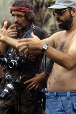 APOCALYPSE NOW, 1979 directed by FRANCIS FORD COPPOLA On the set, Francis Ford Coppola directs Denn