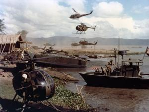 APOCALYPSE NOW, 1979 directed by FRANCIS FORD COPPOLA (photo)