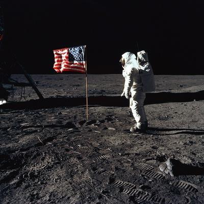 https://imgc.allpostersimages.com/img/posters/apollo-11-astronaut-buzz-aldrin-during-the-first-lunar-landing-july-20-1969_u-L-PII5X40.jpg?artPerspective=n