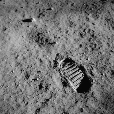 https://imgc.allpostersimages.com/img/posters/apollo-11-boot-print-on-the-moon-july-20-1969_u-L-PII5XY0.jpg?artPerspective=n